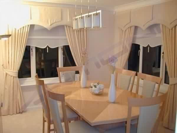 yemek odası perde modelleri iştah açıcı renklerden seçilmelidir.